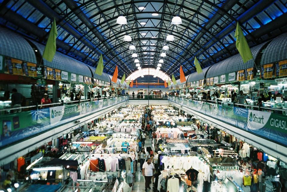 Tiangge at Virra Mall, Greenhills (shot on 35mm film)