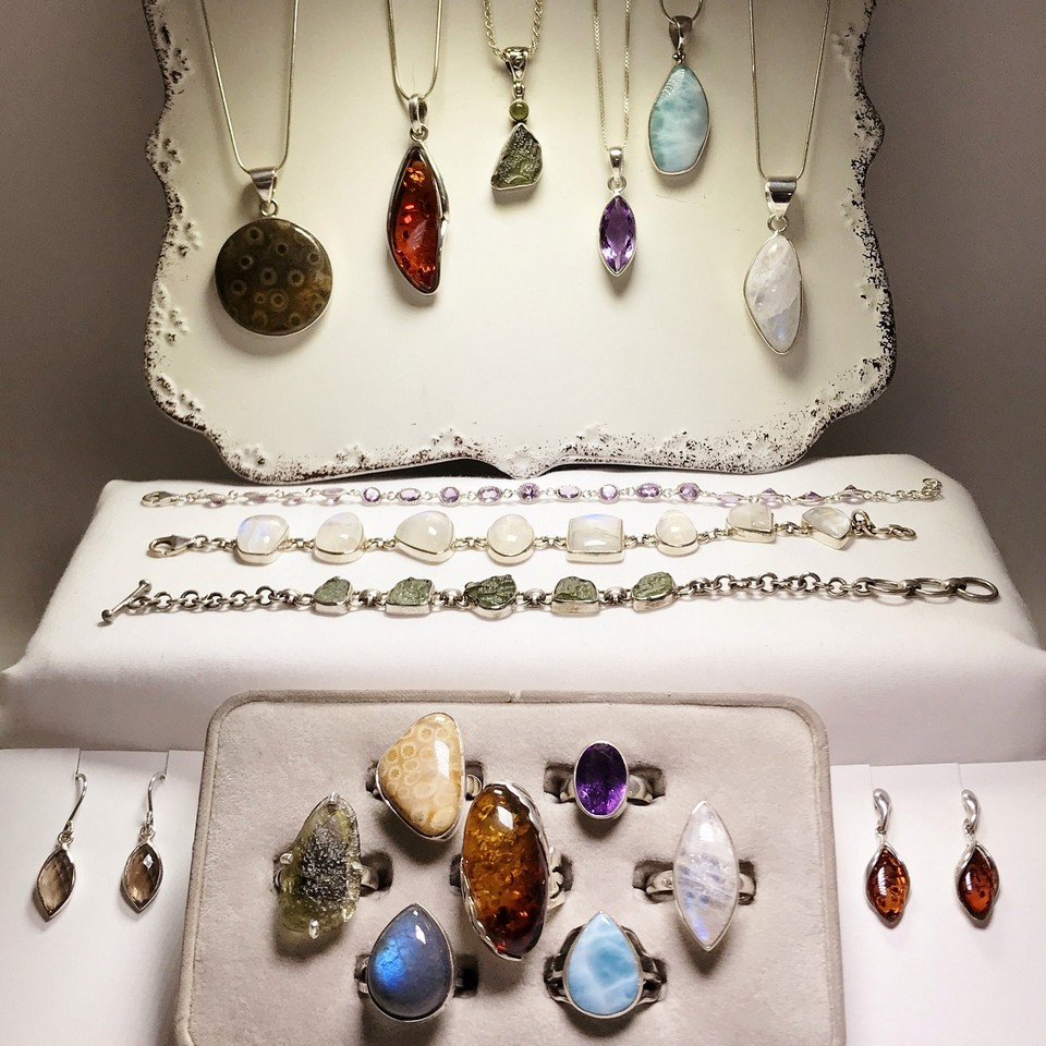 Indonesian gifts Jewelry and gems (5)