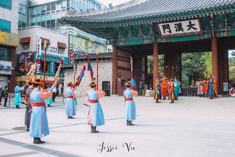 Changing of the Royal Guard at Deoksugung Palace