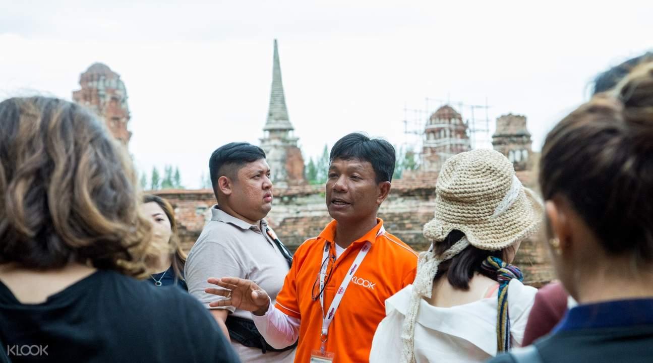 AyutthayaCityTourfromBangkokwithTraditionalThaiDressandTukTukRide