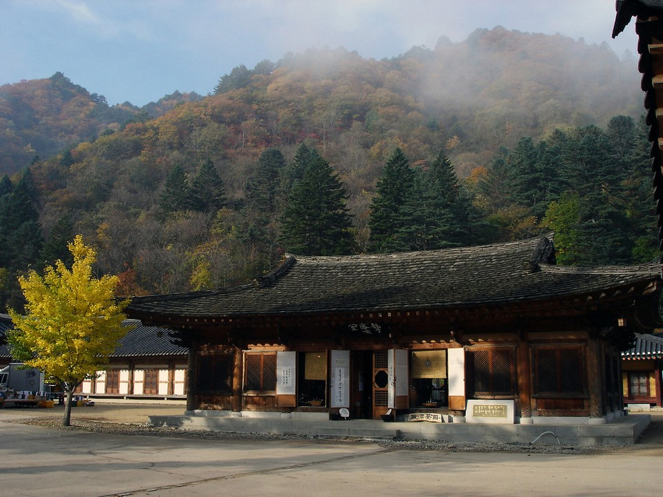 Baekdamsa temple korea (1)