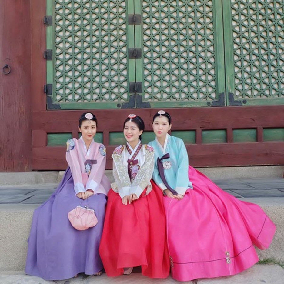 Hanbok had been Korean's daily clothing since Joseon Dynasty.