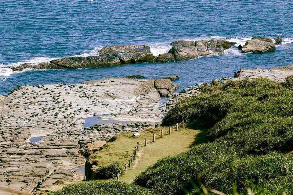 Bitou jiao rocky beach