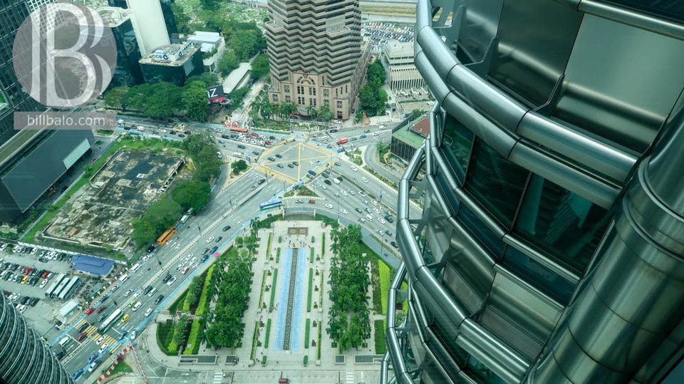 sky bridge petronas twin towers kuala lumpur malaysia