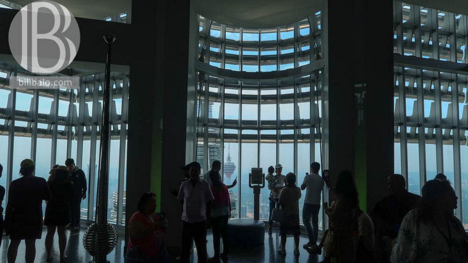 observation deck petronas twin towers kuala lumpur malaysia