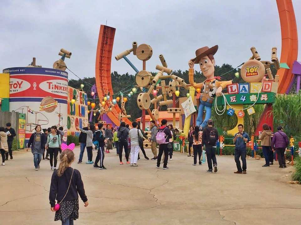 toy story land hong kong disneyland