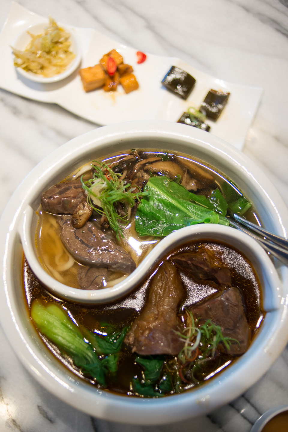 Silks palace beef noodles