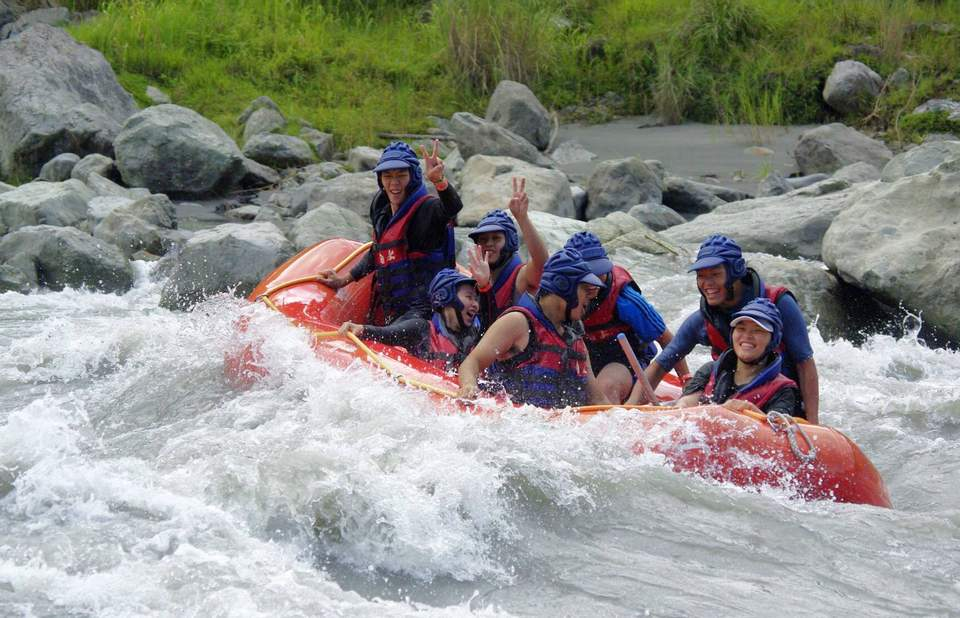 Rafting challenges on Hsiukuluan river